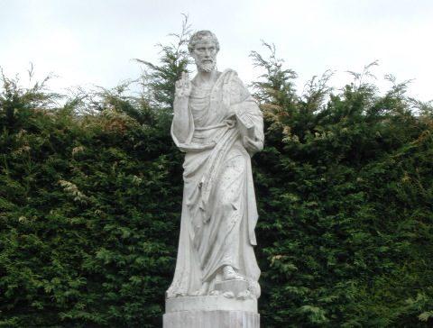 Statue de St. Pierre